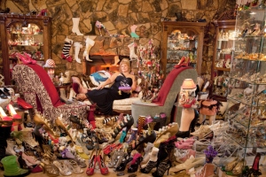 Some how Darlene gets famous for having the biggest collection of shoes rather than being one of those crazy people on an episode of Hoarders. I just don't get it.