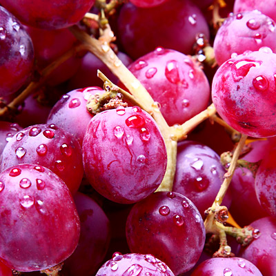 boring-fruits-amazing-benefits-red-grapes-pg-full
