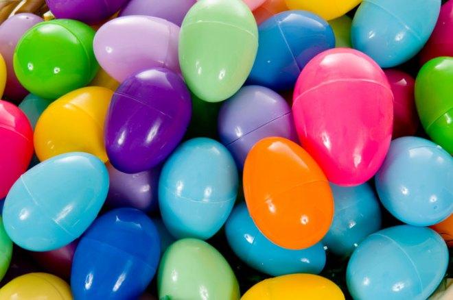 reuse-plastic-easter-eggs